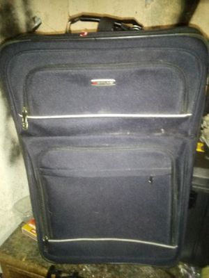 Skyline large suitcase with wheels for Sale in Stockton, CA