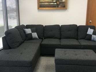 Charcoal Linen Sectional Couch And Ottoman for Sale in SeaTac,  WA