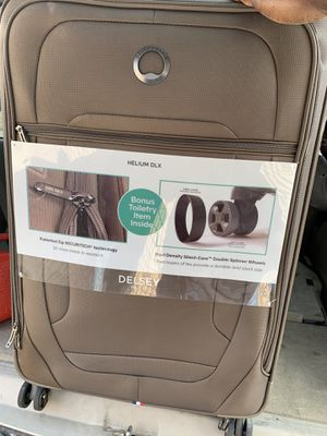 Delsey Paris helium dlx luggage for Sale in Detroit, MI