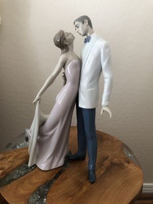 Lladro Happy Anniversary Figurine for Sale in Gilbert, AZ
