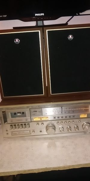 Stereo receiver old school cassette tape and 8 track for Sale in Columbus, OH