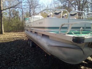 1998 monark pontoon boat 28 lft for Sale in Nashville, TN