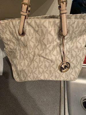 Michael Kors Tote bag for Sale in Atlanta, GA