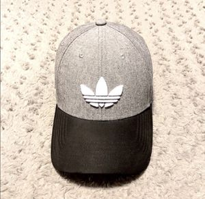 New! Men's Adidas SnapBack cap paid $28 one size Brand new never worn Grey and black. for Sale in Washington, DC