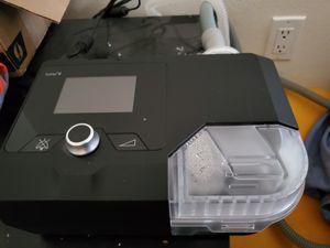 Auto CPAP machine Luna II. Comes with mask, different nasal pillow sizes and case for Sale in Colton, CA