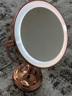 Rose Gold Magnifying Mirror for Sale in Snohomish,  WA