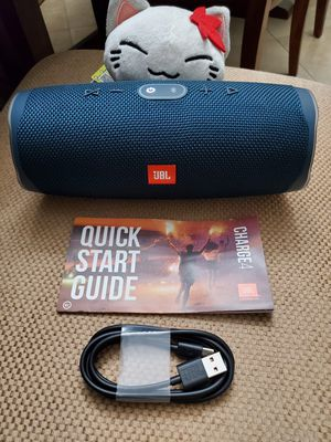 JBL Charge 4 Blue Portable Bluetooth Speaker Pristine Condition for Sale in Los Angeles, CA