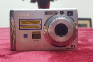 Sony Super SteadyShot DSC-W90, 8.1 MP, with Battery and Card for Sale in Austin, TX