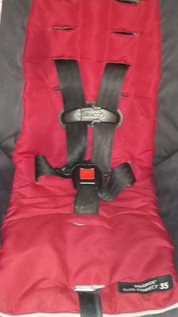 Red Snugride Click Connect 30 & Graco Stroller < Green Snugride Click Connect 35 + Base for Sale in Fresno,  CA