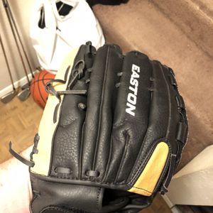 Easton Softball Baseball Glove for Sale in Gladstone, OR