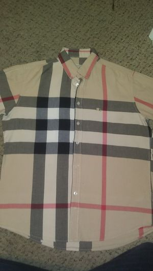 Burberry shirt authentico for Sale in Denver, CO