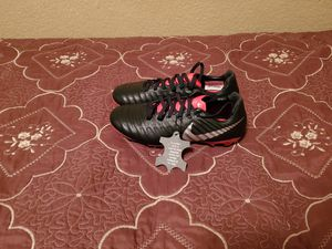 Nike Tiempo Jr Legend 7 Elite Size 5 for Sale in Las Vegas, NV