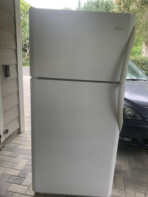 Free Working Frigidaire refrigerator for Sale in Anaheim, CA