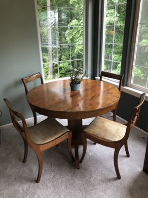 Antique wood table and 4 chairs for Sale in Issaquah, WA