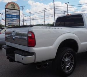 F250 White Tailgate Platinum for Sale in Houston, TX