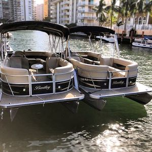 Pontoon boat for Sale in Miami, FL