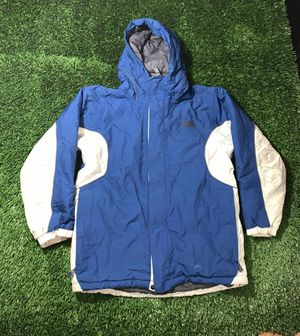 The north face winter jacket boys Large blue snow jacket for Sale in Lynwood, CA