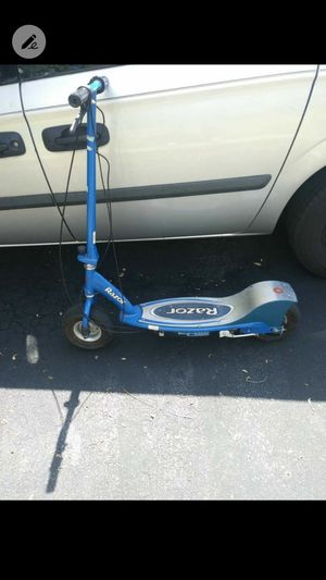 Razor Electric Scooter Needs Battery for Sale in Coral Springs, FL