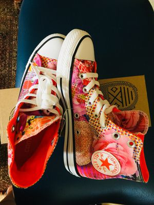 Converse All Star Chuck Taylor Neon/Floral women size 6.5 brand new never worn for Sale in Pasadena, MD