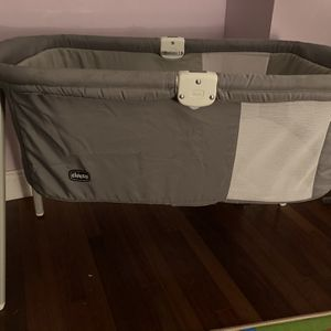 Chicco Portable Baby Bassinet for Sale in Silver Spring, MD