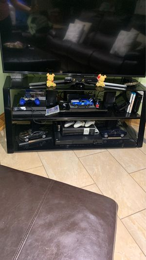 """Tv stand 48"""" for Sale in Chicago, IL"""
