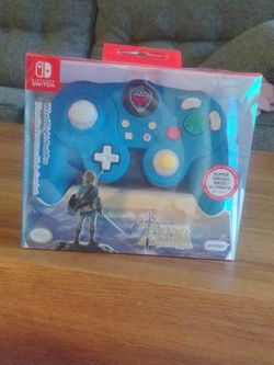 Nintendo Switch Wired Legend Of Zelda: Breath Of The Wild Controller for Sale in Pasadena,  CA