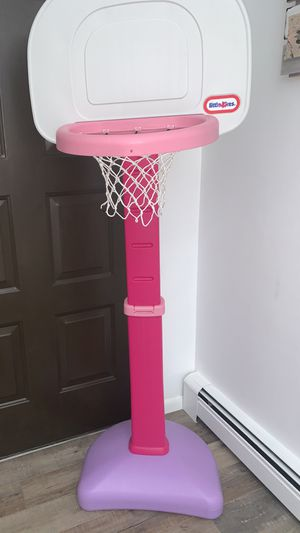 Little tykes basketball hoop for Sale in Toms River, NJ