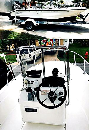 GoodBoat For$1OOO Boston whaler1999 Dauntless for Sale in Joliet, IL
