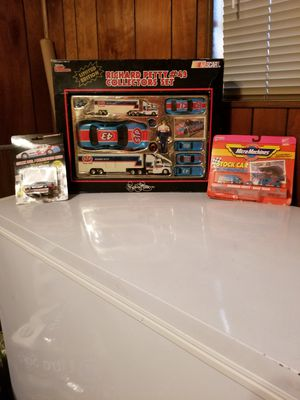 New 1991 Richard Petty #43 Nascar Collectors Set,Micro Machines, & Die Cast Car for Sale in Jacksonville, FL