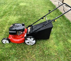 Yard machine 139cc lawnmower for Sale in Vancouver, WA