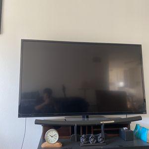 60 INCHES VIZIO TV for Sale in Los Angeles, CA
