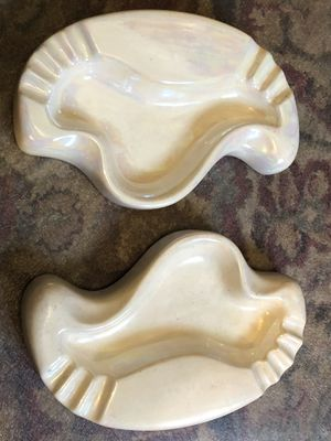 Circa 1960 Brand New Kidney Shaped Ash Trays Ptistine SEE PRECAUTIONS for Sale in Wilder, KY