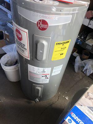 50 gallon water heater for Sale in Stockton, CA