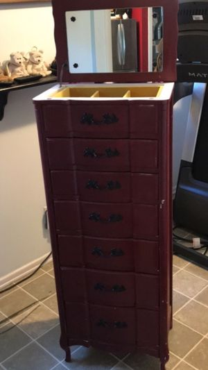 Jewelry holder cabinet for Sale in East Dundee, IL