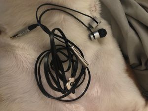 urbeats headphones space gray for Sale in Brandon, FL