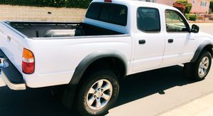 GREAT LOOKING DRIVES FANTASTIC TOYOTA TACOMA 2003 for Sale in Chesapeake, VA