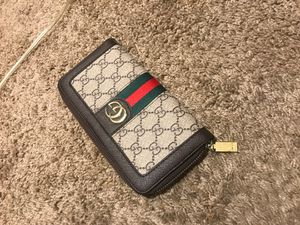 Gucci wallet for Sale in Gallatin, TN