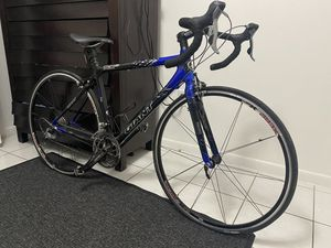 Giant Formula One Full Carbon Bike 950$ for Sale in Miami, FL