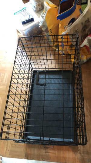 Medium dog crate for Sale in Knoxville, TN