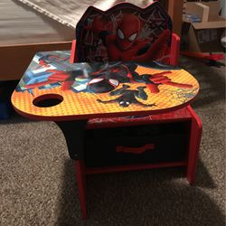 Toddler Spider-Man Desk for Sale in Molalla,  OR