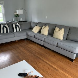 Gray 6-piece Sectional Sofa for Sale in White Plains, NY