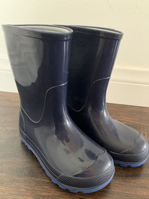 Rain boots/boots for Sale in Fontana, CA