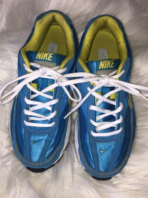 Nike Initiator Running Shoes Size 6.5 Women's Blue/Yellow/White for Sale in Chicago, IL