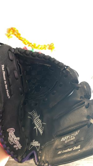 Softball glove , all leather shell for Sale in Santa Ana, CA