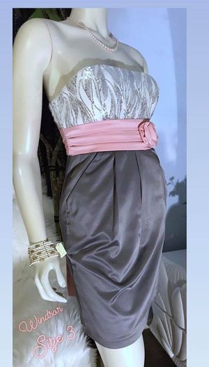 ORIGINAL PRICE $168..... selling it more than half price off! 😊 WINDSOR WOMENS ADORABLE STRAPLESS PINK GREY SEQUIN MINI DRESS! SIZE 3 for Sale in Riverside, CA