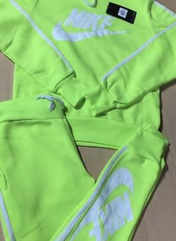 Woman's Small Nike Suit for Sale in Gainesville,  FL