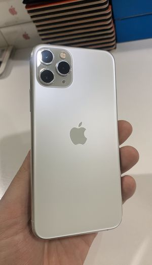 Unlocked iPhone 11 Pro Silver 64GB for Sale in Providence, RI