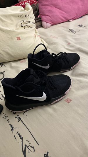 nike kyrie 8 for Sale in Cerritos, CA