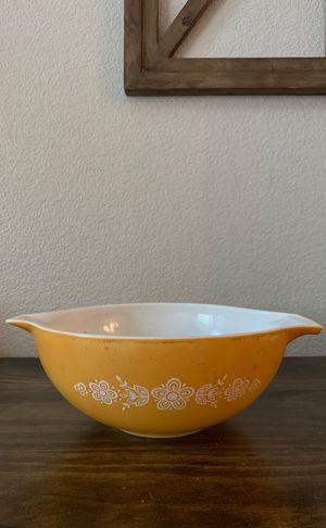 Pyrex Butterfly Gold 4 QT. Mixing Bowl for Sale in Highland, CA