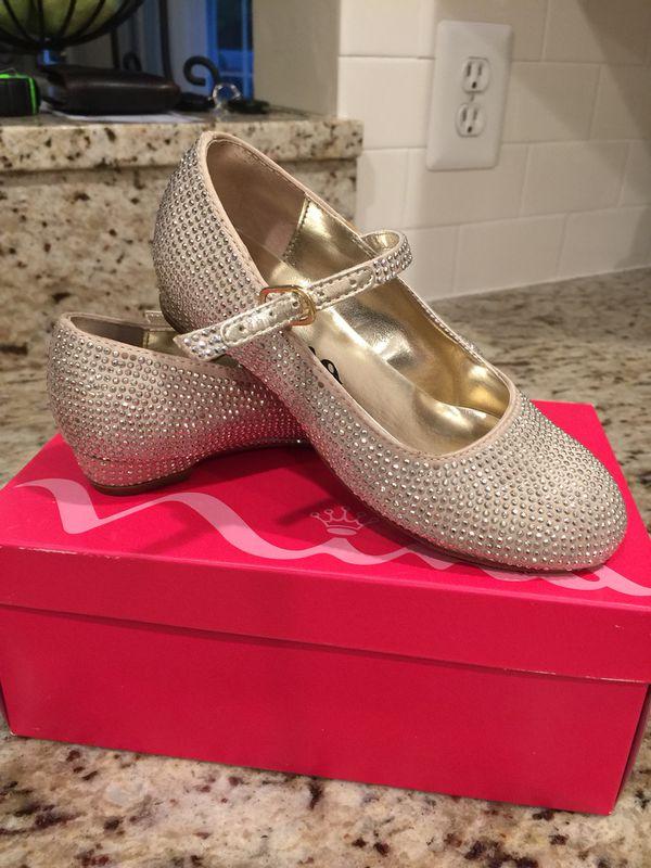 Nina girls dress shoes size 9.5